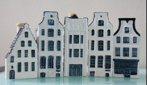 klm-dutch-houses-300x173